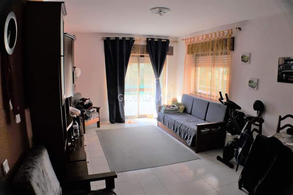 Apartamento em bom estado T1 Praia da Rocha Portimão - cozinha equipada, varanda, condomínio privado