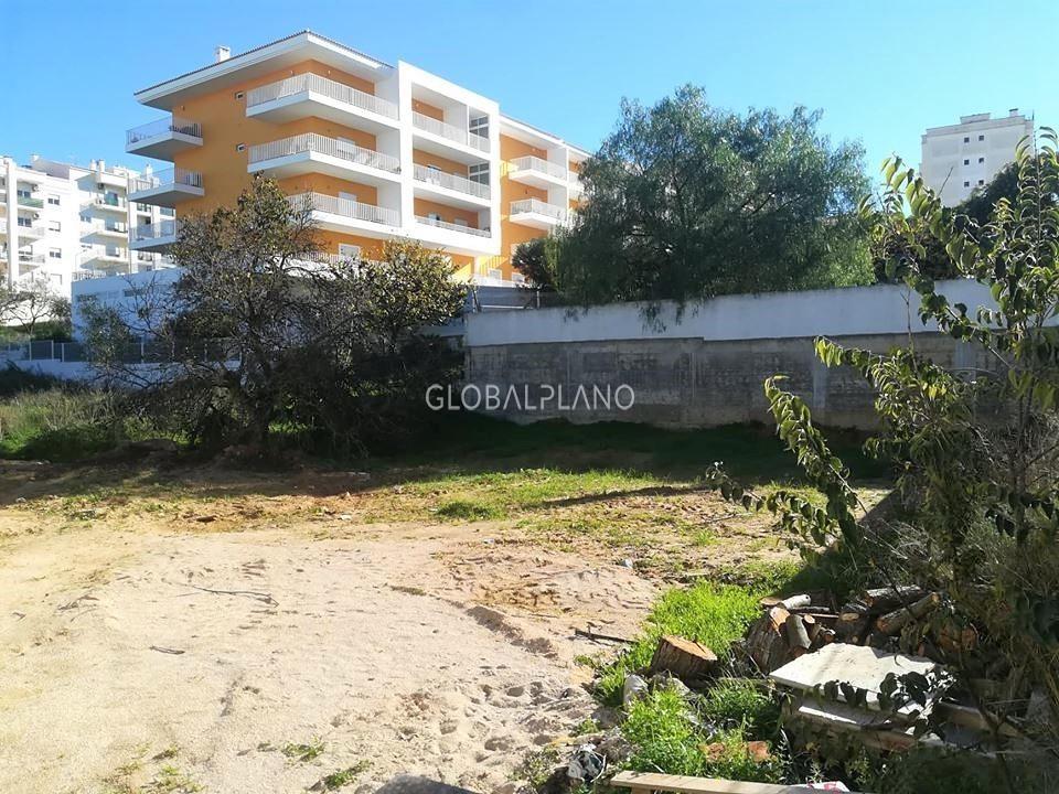 Lote de terreno com 441.50m2 Barranco do Rodrigo/Portimão - viabilidade de construção