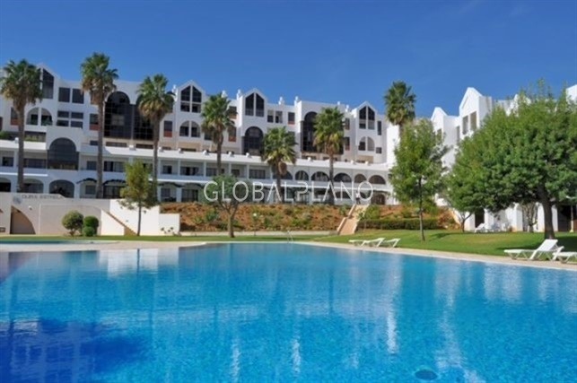 Apartamento T1 Oura Albufeira - piscina, terraço, condomínio privado, jardins, ténis