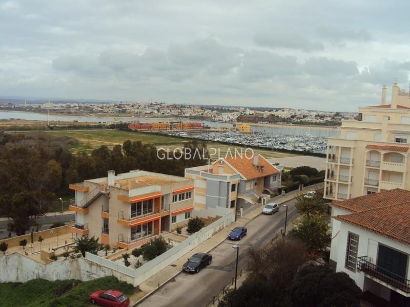 Apartamento T1 Praia da Rocha Portimão - garagem, varanda