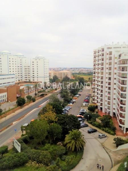 Apartamento T0 em bom estado Praia da Rocha Portimão - equipado, varanda, mobilado