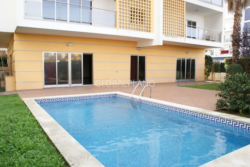 Apartment Luxury 4 bedrooms Alto do Quintão Portimão - garage, swimming pool, kitchen, gated community