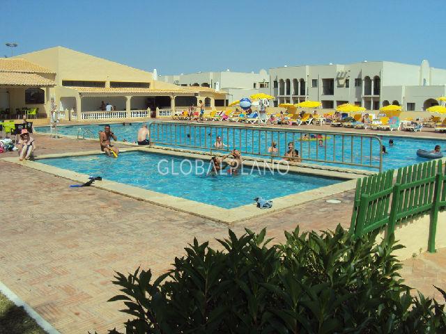 Apartamento T1 Quinta Nova/Alvor Portimão - ténis, varanda, vista mar, cozinha equipada, condomínio fechado, piscina