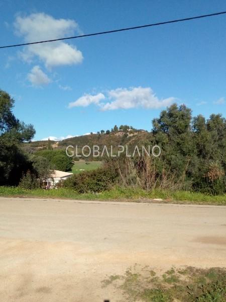 Lote de terreno plano Monte Canelas Mexilhoeira Grande Portimão - viabilidade de construção
