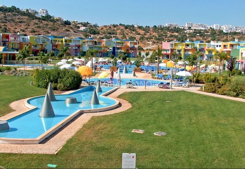 Apartamento T2 Marina de Albufeira - condomínio fechado, piscina, varanda, parqueamento