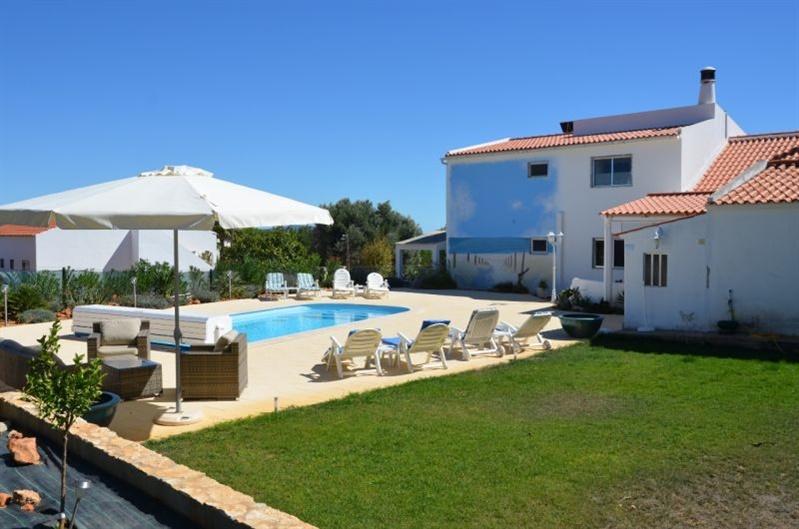 Moradia V5 Patã Albufeira - piscina, alarme, marquise, aquecimento central, caldeira, terraço, garagem, jardim, lareira