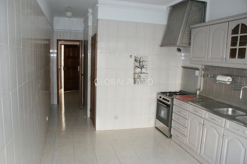 Apartamento T2 em bom estado Pimentão/Portimão - marquise, garagem