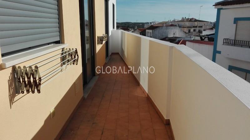 Apartment 2 bedrooms in the center Lagoa Lagoa (Algarve) - kitchen, air conditioning, garage, balcony
