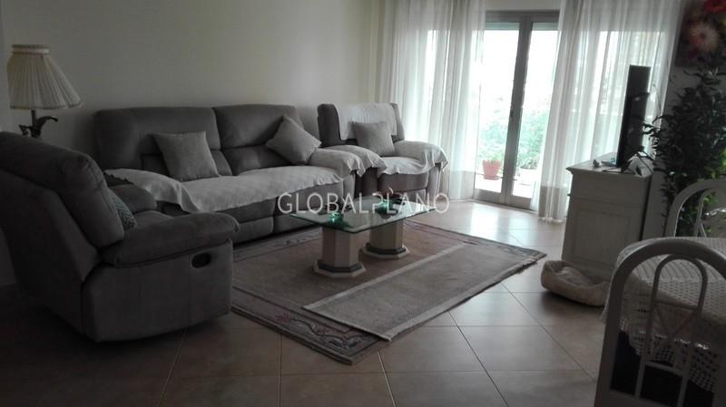 Apartamento T3 Quinta Amparo/Portimão - garagem, ar condicionado, cozinha equipada, varandas, lareira