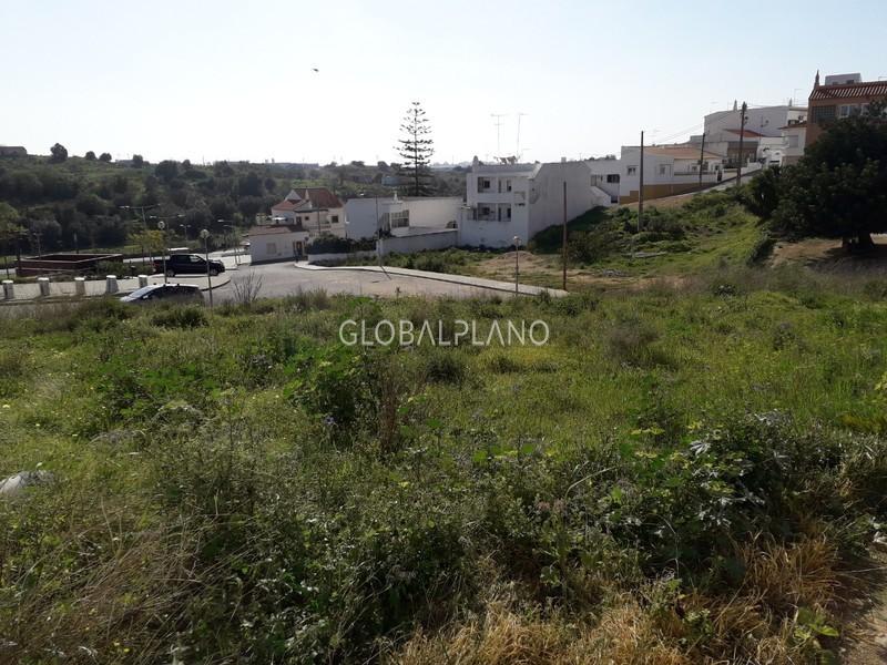 земельный участок c 686m2 Cálvario Estômbar Lagoa (Algarve) - отличный подъезд