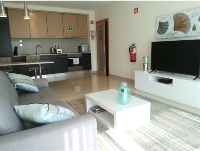 Apartamento T0+1 Moderno no centro Olhos de Água Albufeira - piscina, vista mar, garagem, condomínio fechado, varanda, terraço