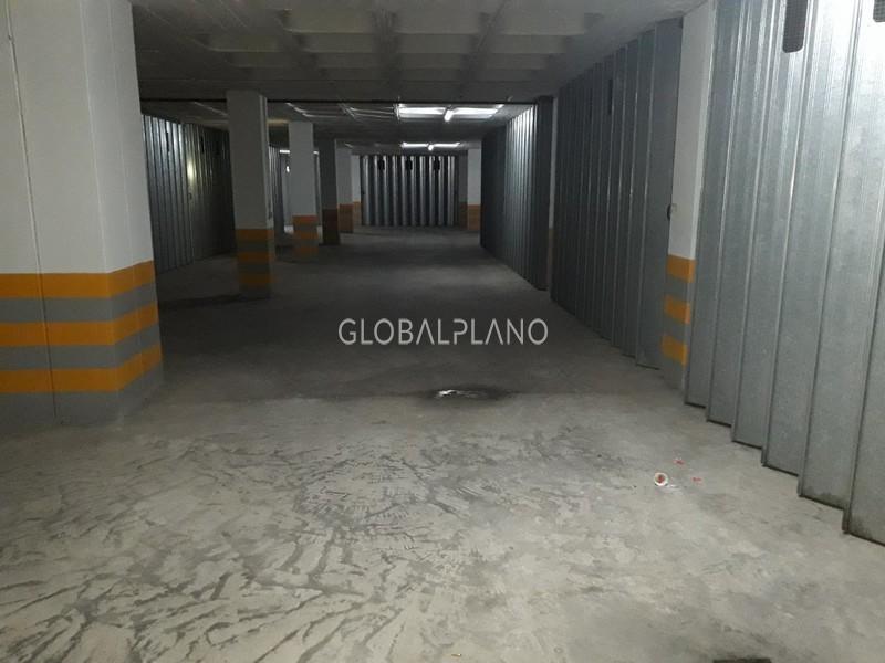 Garagem box com 23.98m2 Praia da Rocha Portimão