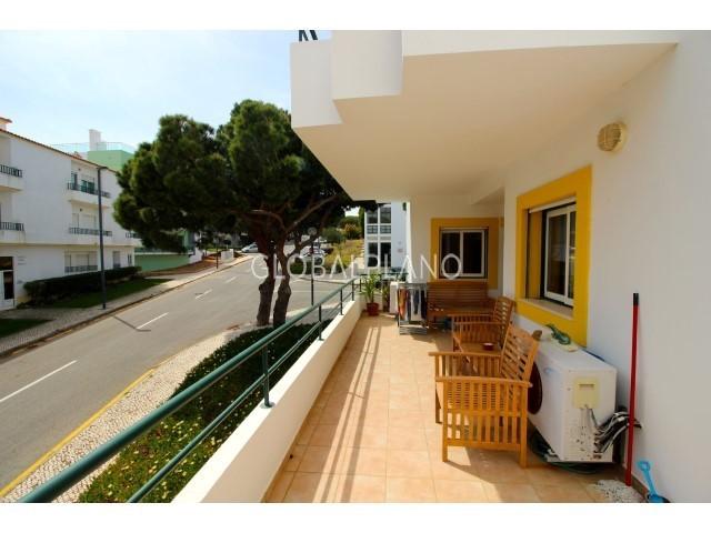 Apartamento T2 perto da praia Falésia Albufeira - arrecadação, varanda, mobilado, terraço