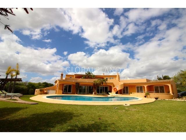 Moradia V6 Cerro de Águia Albufeira - terraços, parqueamento, jardins, piscina