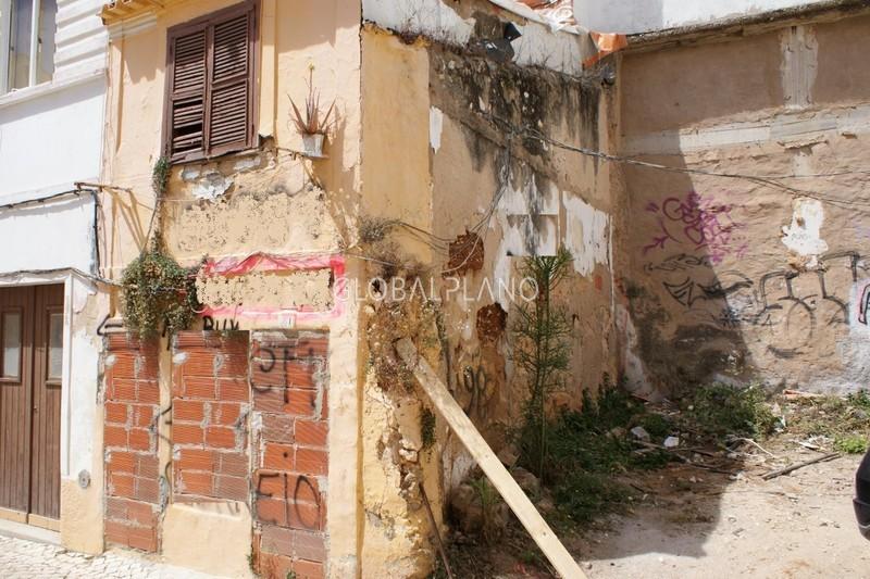 Lote de terreno com 30m2 Centro de Portimão - viabilidade de construção