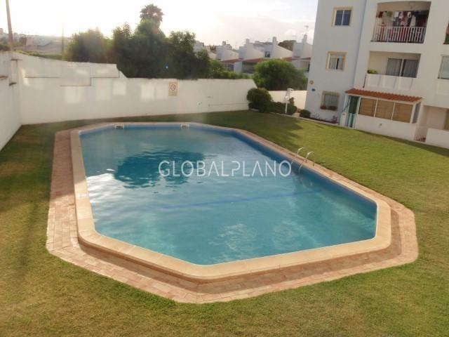 Apartamento T0 Montechoro Albufeira - piscina, jardim, terraço, varanda, 1º andar