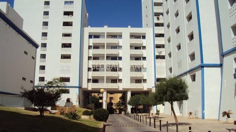 Apartamento Remodelado T2 Praia da Rocha Portimão - varanda, condomínio privado, ar condicionado, equipado