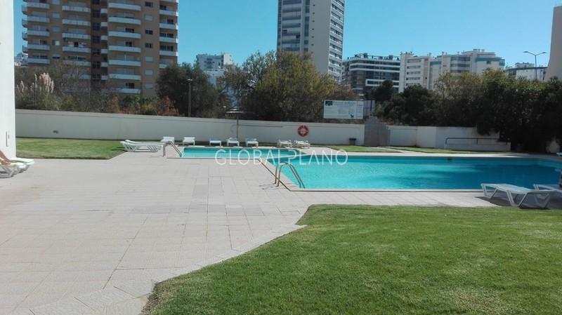 Apartamento T2 Remodelado 3 castelos/Praia da Rocha Portimão - piscina, garagem, excelente localização, ténis, varanda
