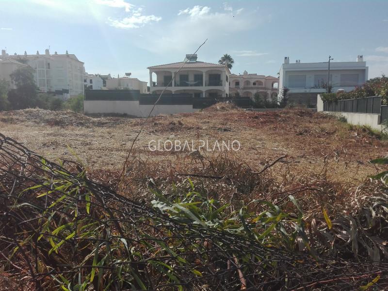 Terreno Urbano com projecto aprovado Montechoro Albufeira