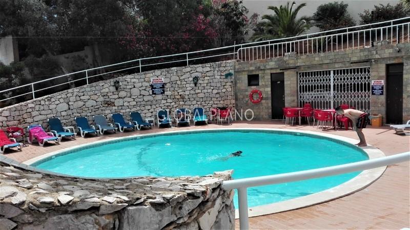 Apartamento T1 Remodelado Praia da Rocha Portimão - varanda, piscina