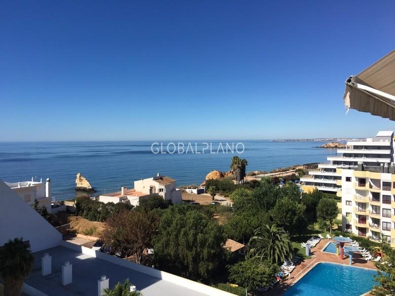 Apartamento T1 Praia da Rocha Portimão - condomínio privado, piscina, vista mar, lugar de garagem, varanda
