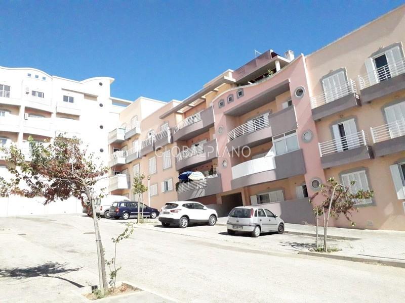 Apartamento T3 Lagos Santa Maria - condomínio privado, arrecadação, varanda, ar condicionado, equipado, garagem