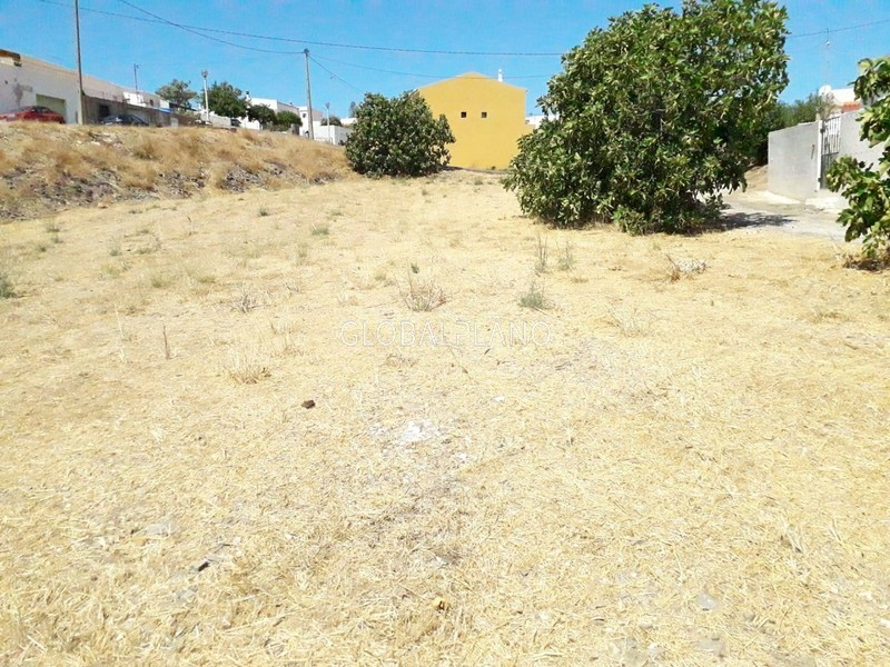 Plot Urban/agricultural with 1500sqm Porto De Lagos/ Ptm Portimão - water, electricity