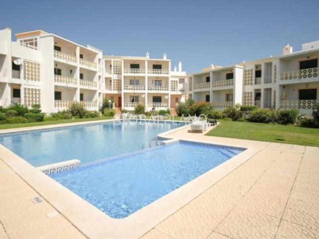 Apartamento T1 Areias de S. João Albufeira - arrecadação, garagem, piscina, condomínio fechado, jardim