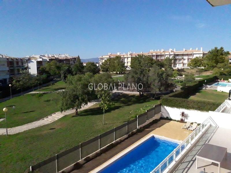 Apartamento T3 em excelente estado Má Partilha/ Alvor Portimão - piscina, arrecadação, equipado, garagem, condomínio fechado, ar condicionado, varanda