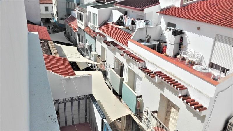 Apartamento T2 Remodelado no centro Portimão - cozinha equipada, varanda, 3º andar, marquise