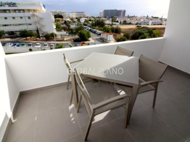 Apartamento Renovado bem localizado T1 Vale Pedras Albufeira - piscina, vista mar, varanda, jardins