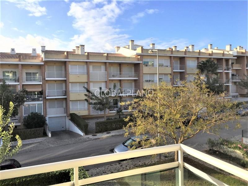 Apartamento T2 Alvor Portimão - varandas, arrecadação, jardins, garagem, cozinha equipada, lareira
