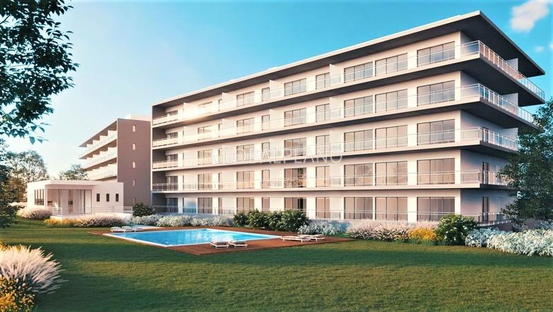 Apartamento T1 com boas áreas Praia da Rocha Portimão - piscina, garagem, painéis solares, jardim, ar condicionado, equipado, varandas