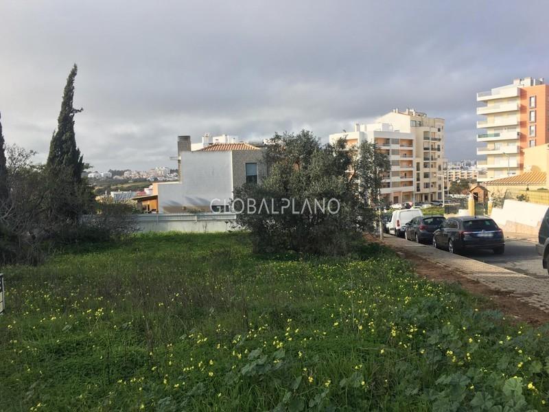 Lote de terreno com 192m2 Alto do Pacheco/ Portimão - viabilidade de construção