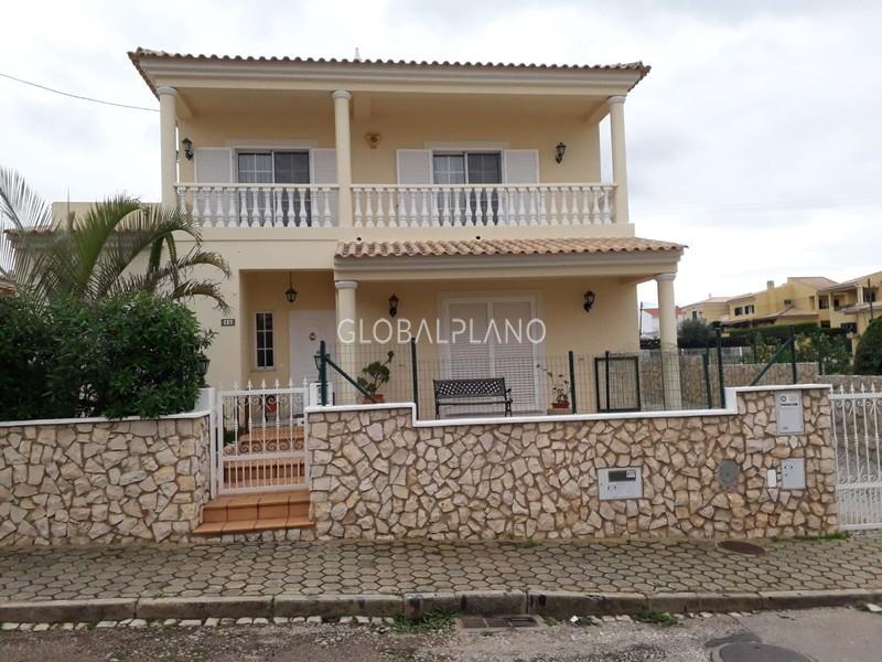 Moradia Isolada em urbanização V4 Cerro de S. Miguel Silves - piscina, garagem, quintal, varanda, bbq