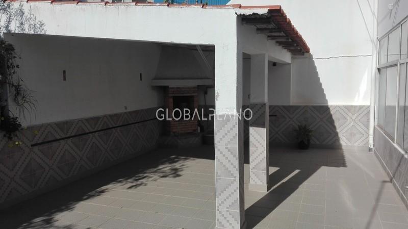 Moradia V4 em bom estado Pedra Mourinha Portimão - cozinha equipada, bbq, terraço
