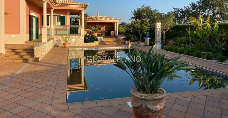 House V4 Luxury in urbanization Belmonte/Portimão - gardens, barbecue, garage, equipped kitchen, swimming pool