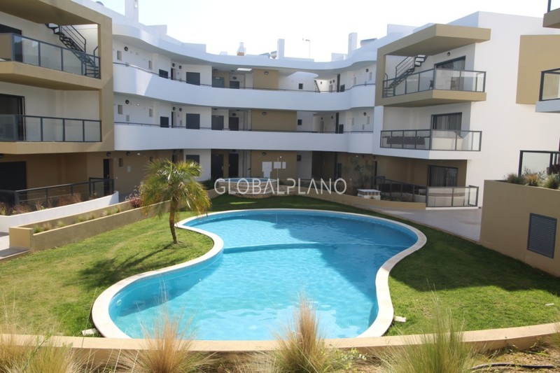 Apartment nuevo T1 Alvor Portimão - green areas, swimming pool, equipped, air conditioning, balcony, garage, balconies, solar panels, gated community