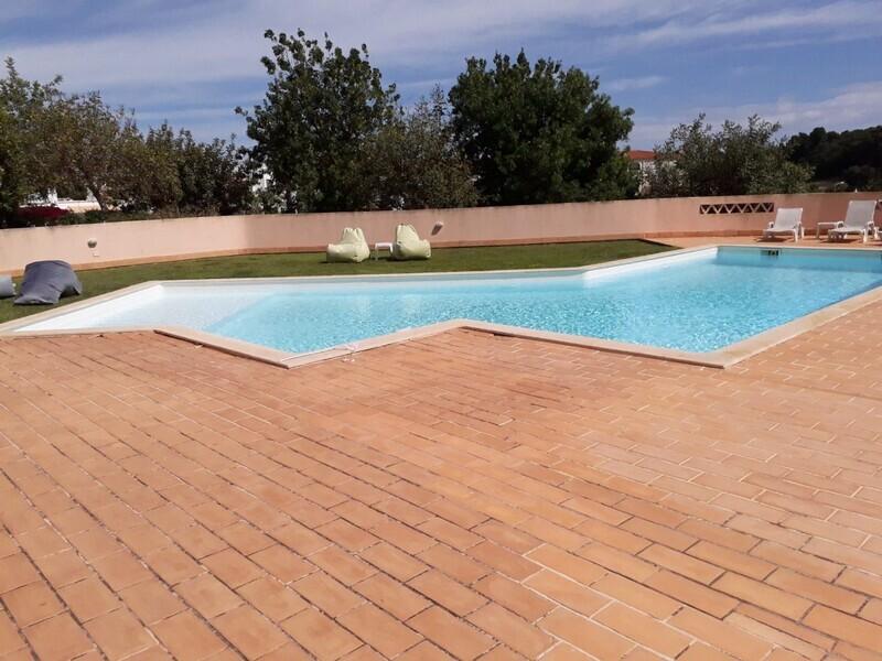 Apartamento T1 Remodelado Qt.ª dos Arcos/ Alvor Portimão - arrecadação, piscina, ar condicionado, cozinha equipada, equipado, varanda, garagem, condomínio privado