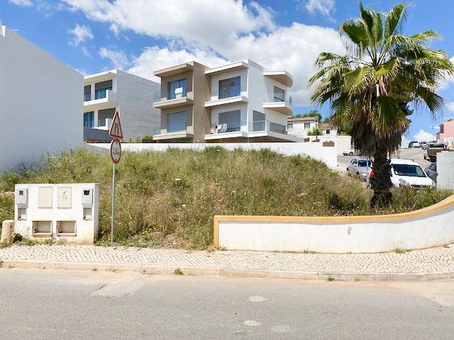 Lote de terreno com 312m2 Estômbar Lagoa (Algarve)
