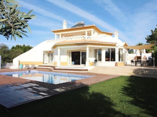 House 3+1 bedrooms Galé  Guia Albufeira - garden, swimming pool, terrace, garage