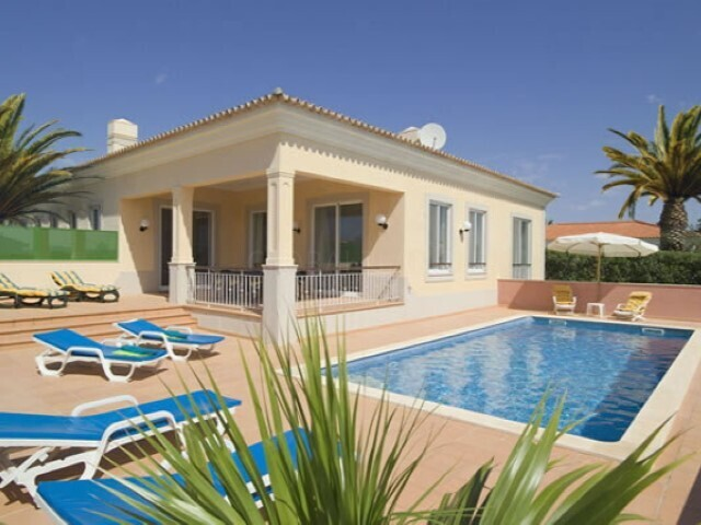 House 4 bedrooms Vale Carro (Olhos de Água) Albufeira - swimming pool, terrace, barbecue, terraces, garden, equipped kitchen