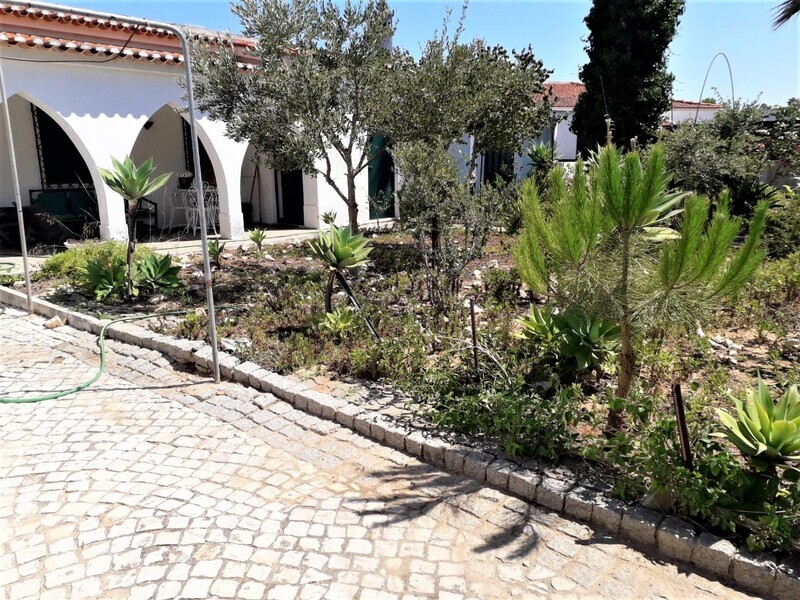 House Single storey 5 bedrooms Alvor Portimão - sea view, garage, garden, barbecue