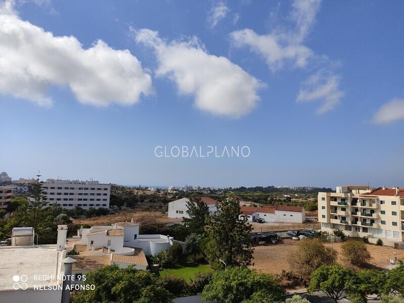 Apartamento com vista mar T2 São Sebastião/Portimão - terraço, lugar de garagem, varanda, bbq, ar condicionado, vista mar
