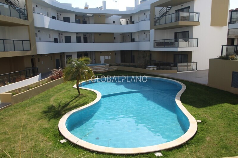 Apartment 1 bedrooms Alvor Portimão - swimming pool, garage, green areas, balcony, solar panels, gated community, air conditioning, equipped, barbecue