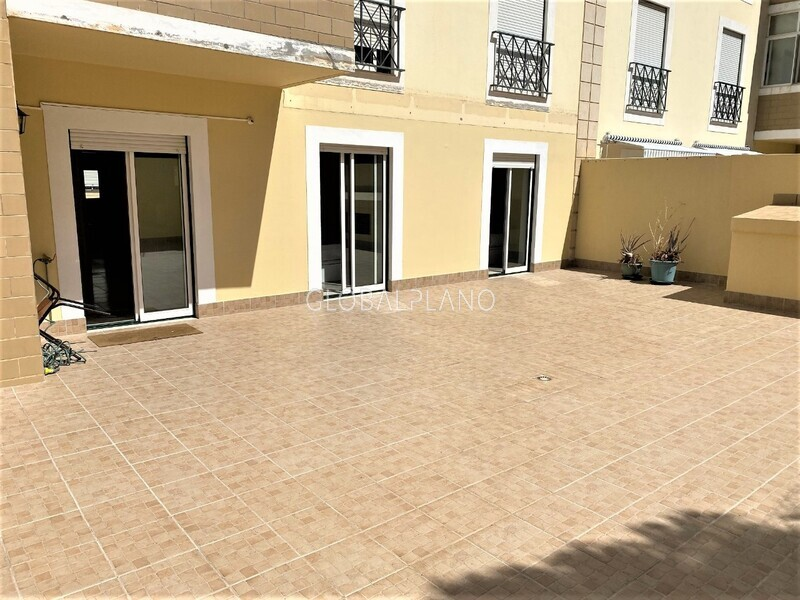 Apartment T2 in good condition Quinta da Malata / Portimão - balcony, fireplace, garage, parking space, terrace