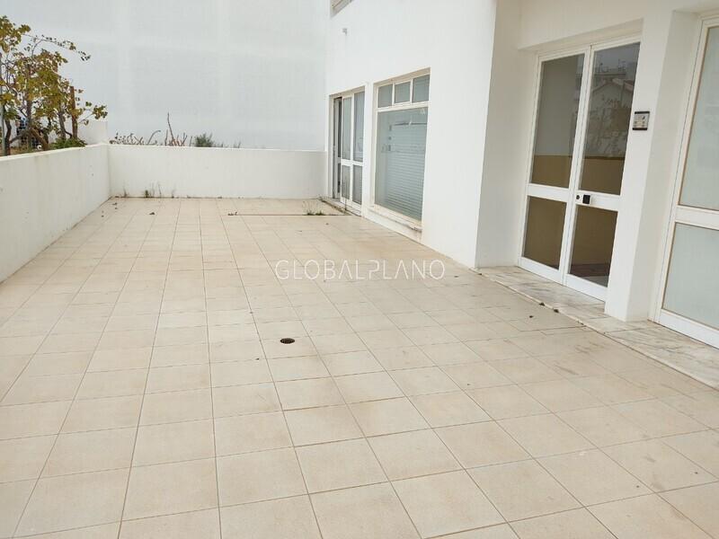 Shop spacious Urb. Belavista/Parchal Lagoa (Algarve) - garage, storefront, store room