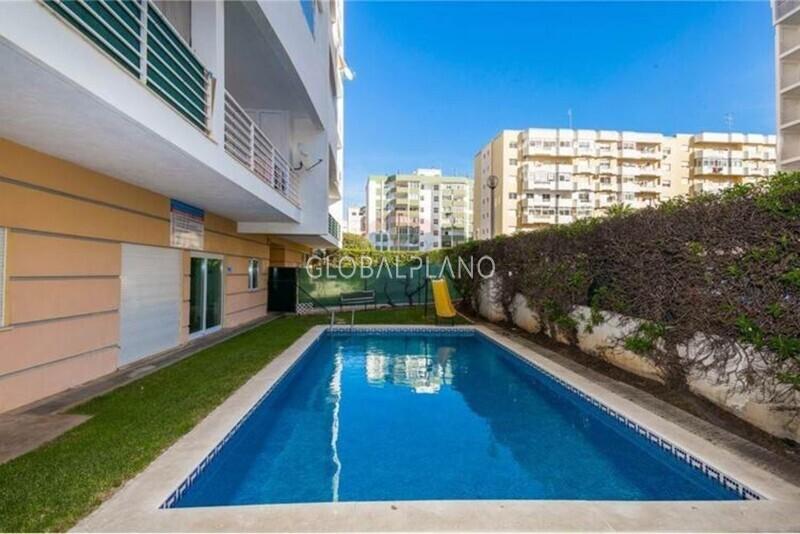 Apartamento T1 em bom estado Alto do Quintão Portimão - condomínio privado, piscina, varanda