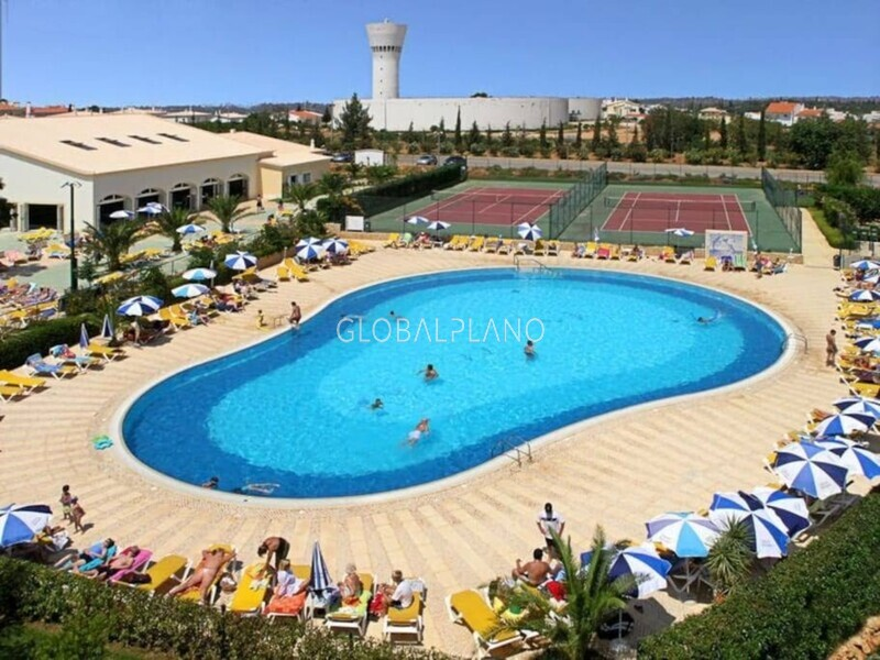 Apartment in good condition T2 Oásis Parque/Portimão  - swimming pool, balcony, gated community