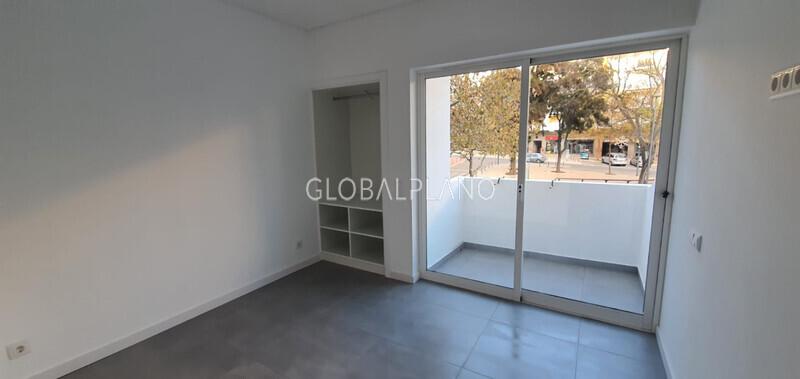 Apartamento Remodelado T0 Baixa de Albufeira - varanda, ar condicionado, 1º andar